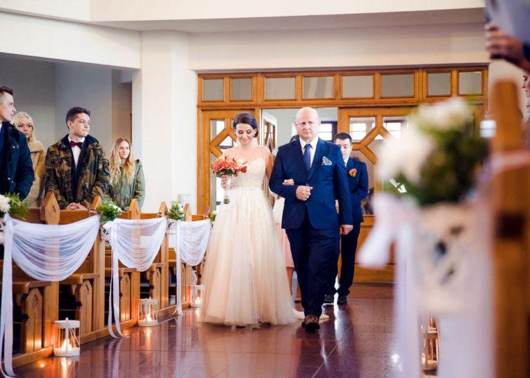 Wejście Panny Młodej - ślub w Mrągowie