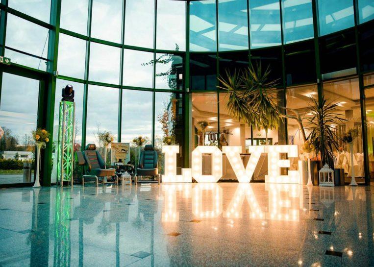 Detale sali ślubnej Mercedes Club w Mrągowie