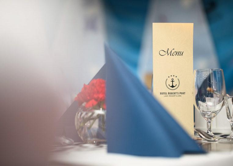 Detale ślubne w hotelu Robert's Port w Starych Sadach