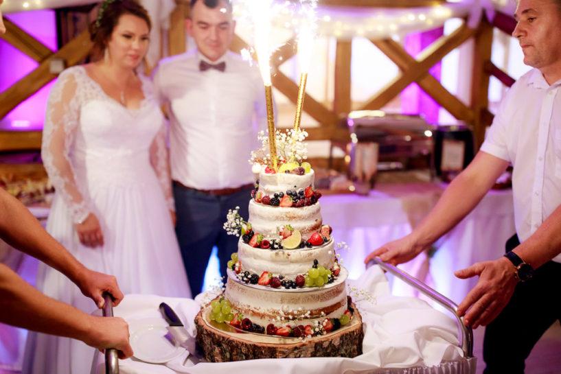 Tort weselny Doroty i Patryka - Gościniec Molo w Mrągowie